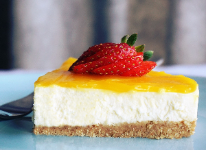 Diabetes-friendly lemon cheesecake